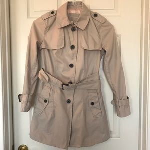 Banana republic tan trenchcoat belted